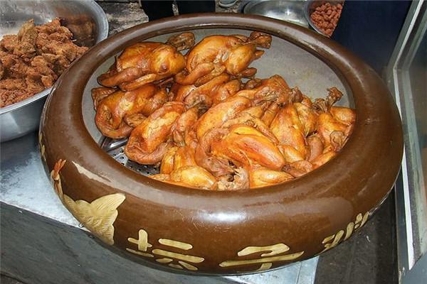 桂花坛子鸡已畅销市场多年
