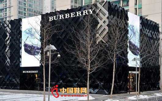 资讯生活Burberry 博柏利半年销售突破10亿英镑
